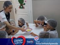Aulas de culinária - Professora Mariana