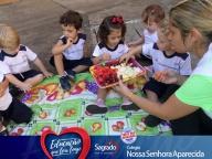 Dia da Fruta na Escola - Flávia