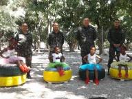 BRABAT contribuindo para colorir a escola - entrega de puffs de pneus