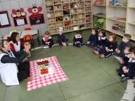 Viajando no Mundo das Cores (Vermelho) - Infantil 1A