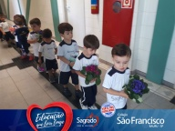 Flores para Madre Clélia - Turmas do Infantil II