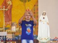 Coroando a Mãe de Jesus