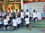 Coroação da imagem de Maria no colégio