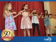 Apresentações de Violino, Flauta, Coral e Balé
